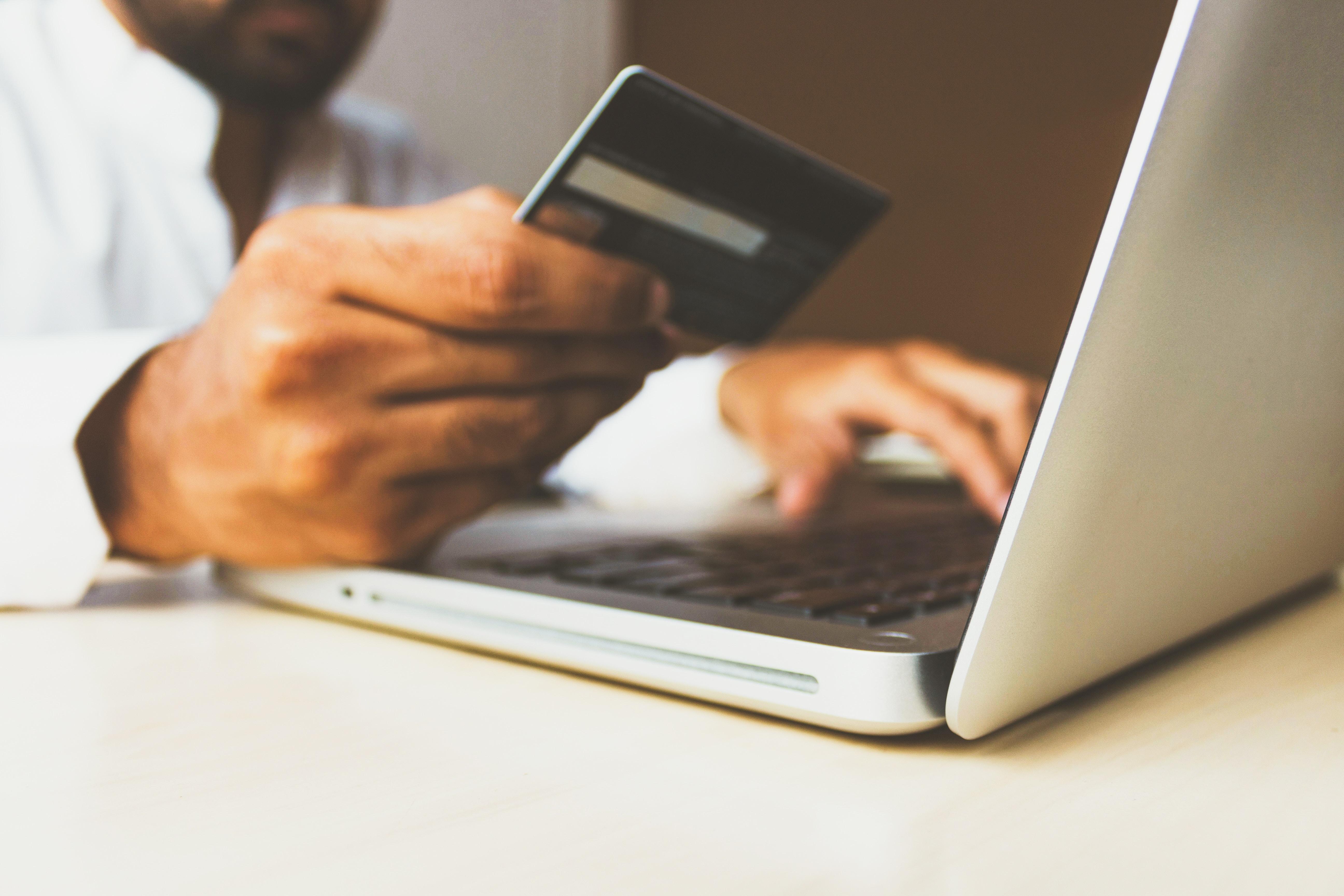 Jak założyć własny sklep internetowy
